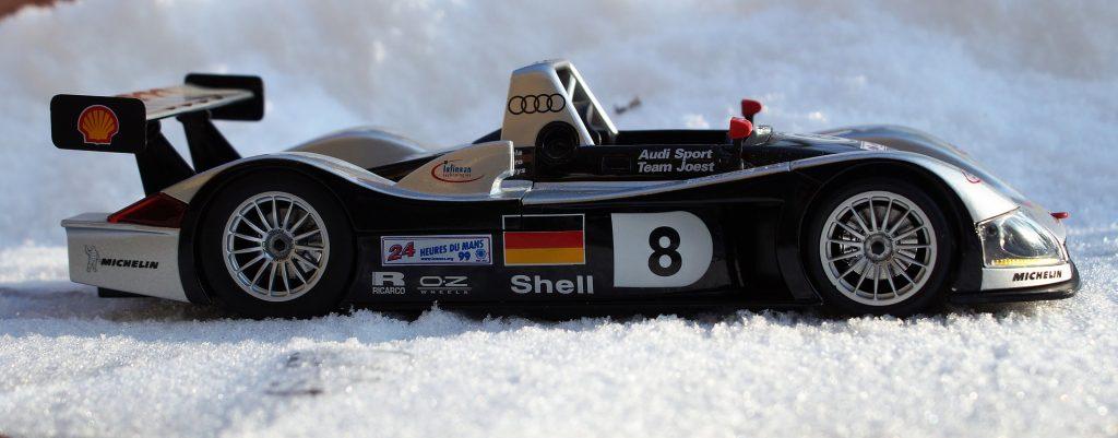 snow_strong_sportscar