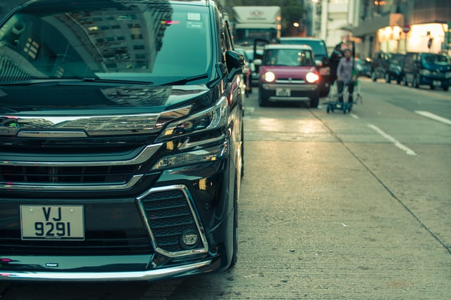 かっこいいパパの車【若者から大人まで人気の3列シート高級ミニバン】トヨタ アルファード