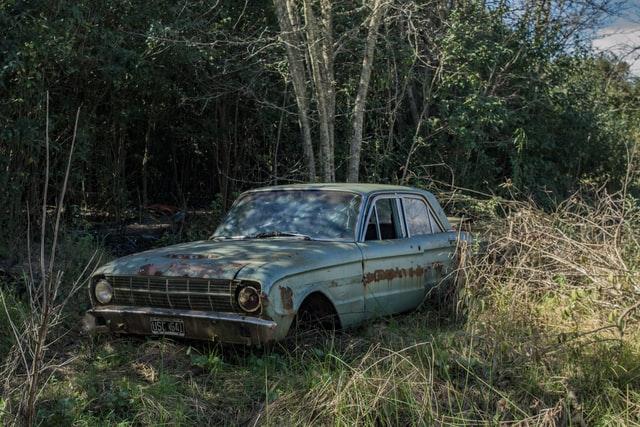 ダサい車・カッコ悪い車・不人気車の中古車を安く買う方法