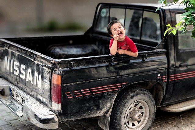 【娘に嫌がられちゃう】パパに乗ってほしくない車の条件とは?