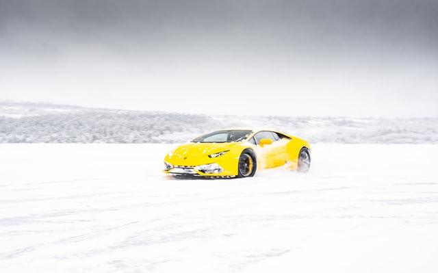 なぜ秋名山の雪上バトルになった?「雪道でFRが4WDにかなわないのは世界の常識なんだよ!」